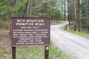 LeConte-Realty-Rich-Mountain-Cades-Cove